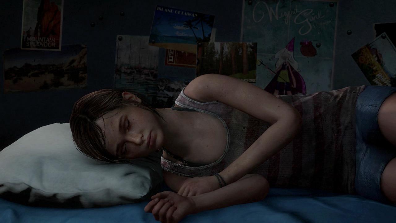 Ellie asleep in dorm_13904037241