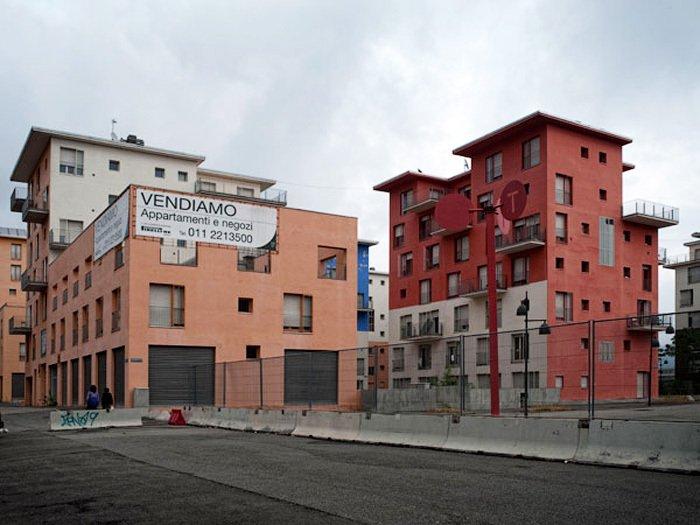 Опустевшая Олимпийская деревня, Турин. после Олимпиады 2006 года. Фото Fototelegraf.ru