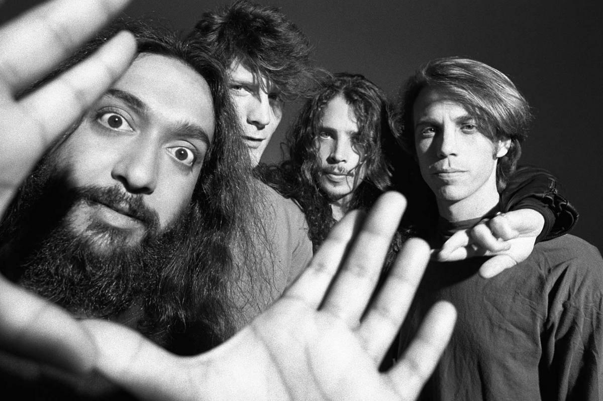 soundgarden disgusting men сиэтл большая четверка крис корнелл