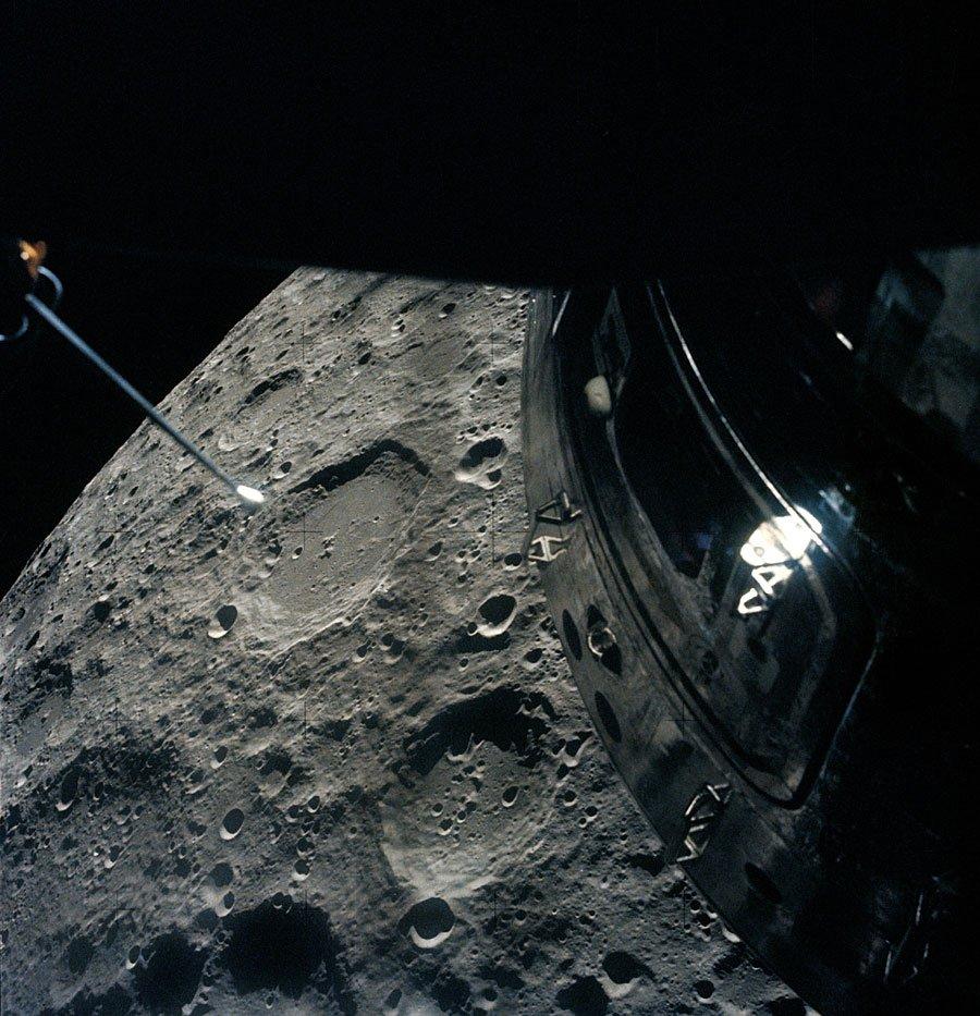Обратная сторона Луны с борта «Аполлона 13»
