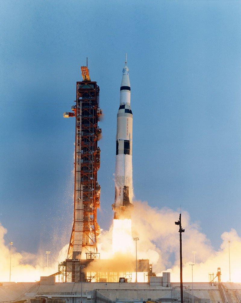 Взлёт «Сатурна V» с «Аполлоном 13» на борту