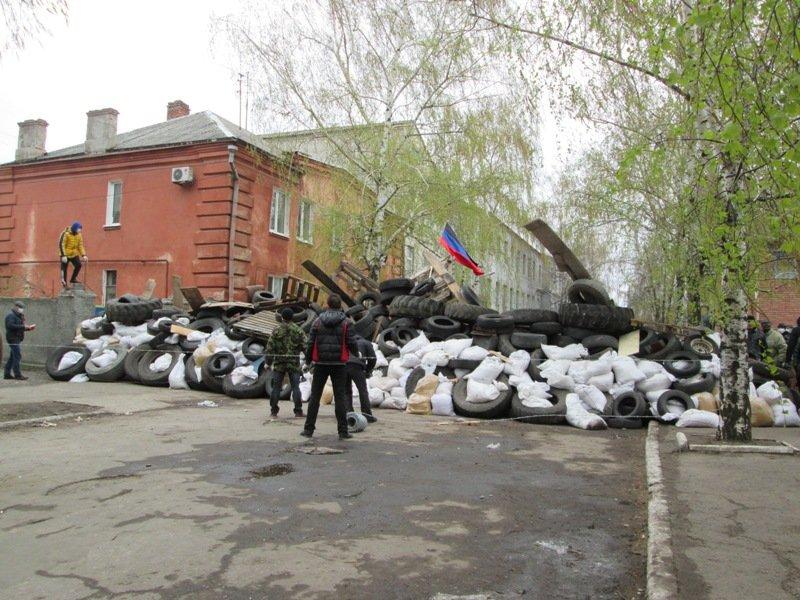 славянск баррикады что происходит в славянске очевидец disgusting men com
