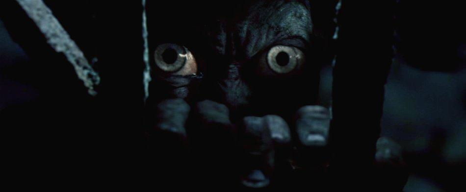 Gollum-eyes-smeagol-gollum-5977162-950-392