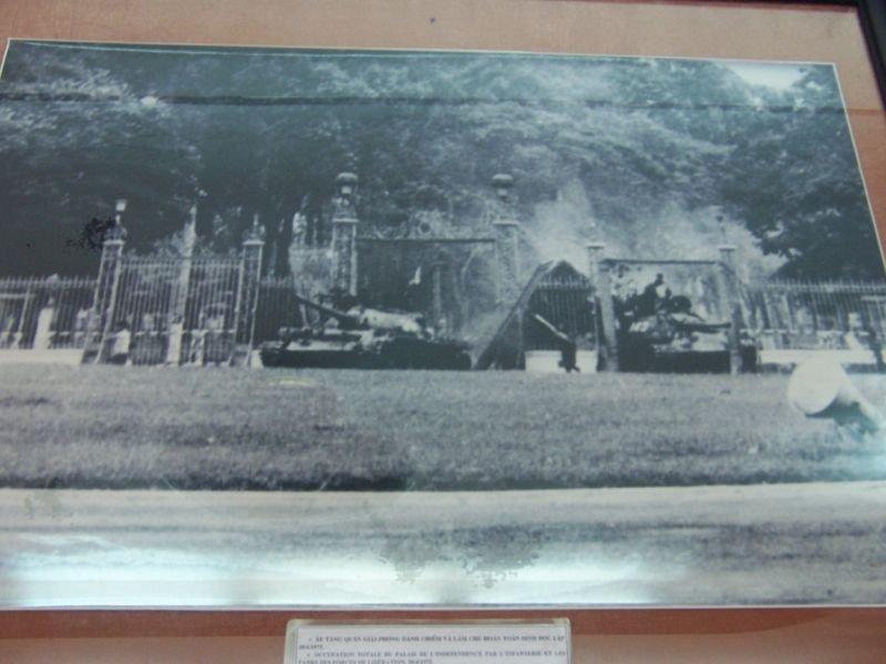 танк 843 вьетнам война сша ссср цельнометаллическая оболочка бегство из сайгона отвратительные мужики сайгон