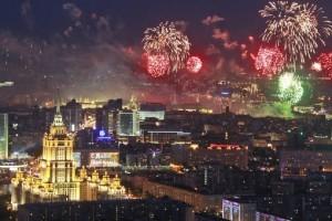 история салюта фейерверка 9 мая день победы