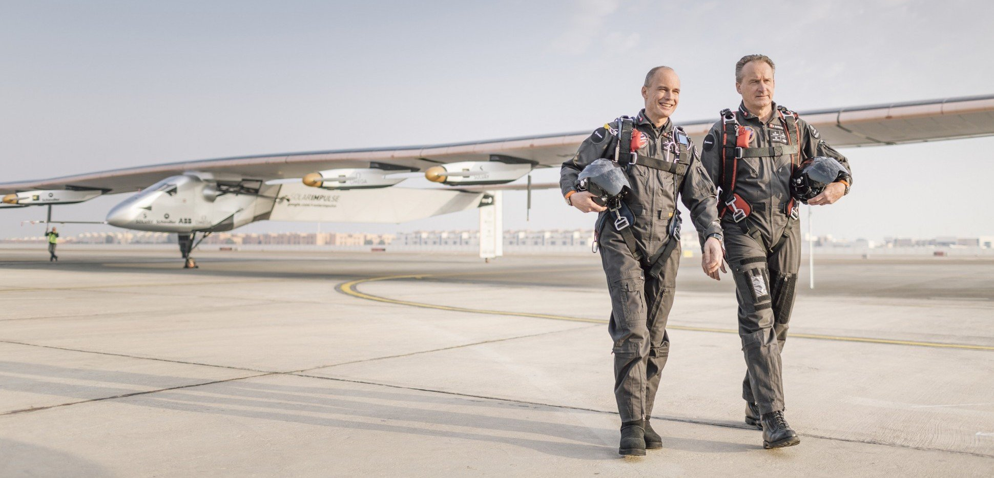 2015_01_18_Solar_Impulse_2_official_portrait_Ackermann_NAK_2844-1940x1293