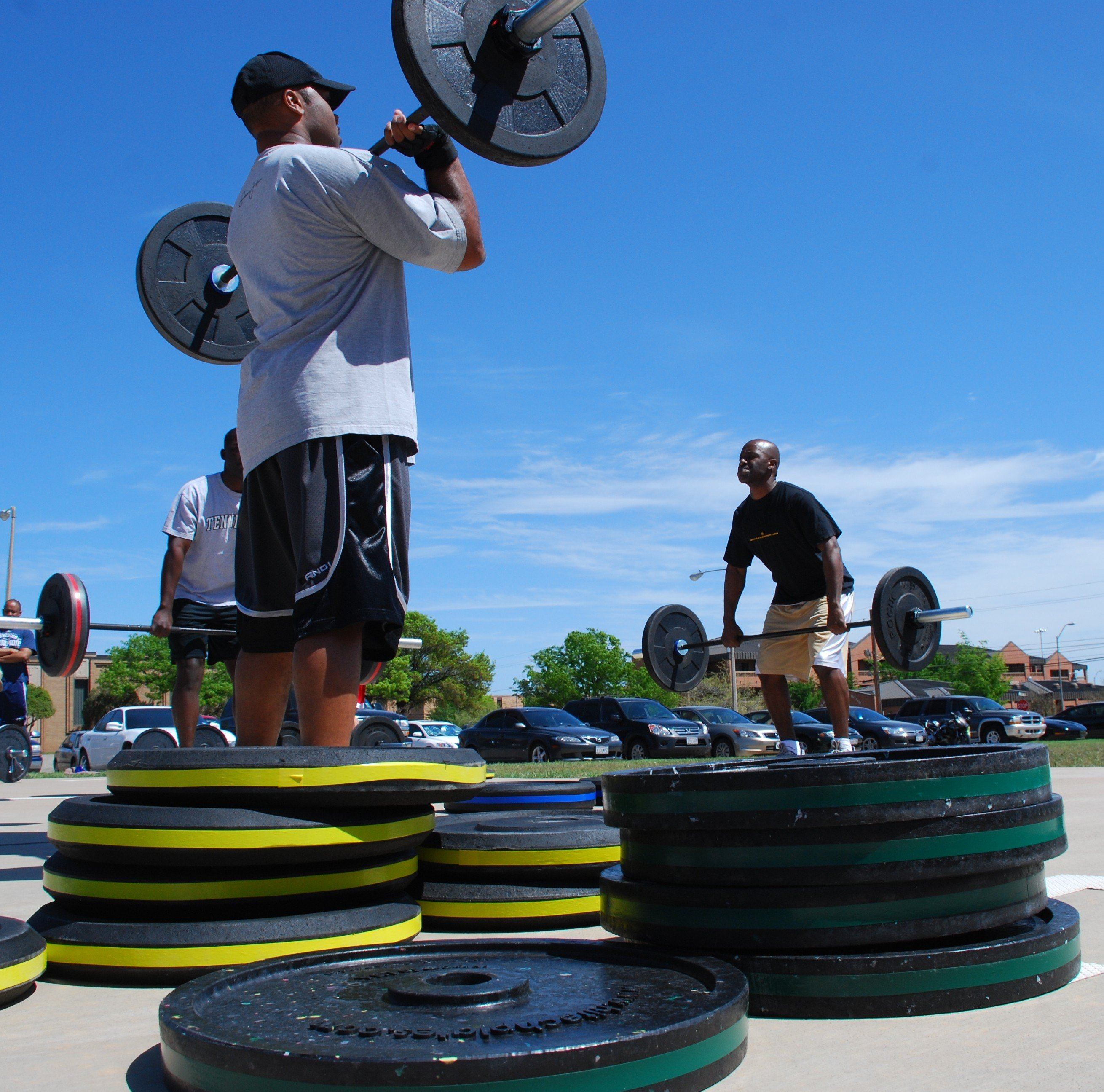 Olympic-style_weight_lifting_training