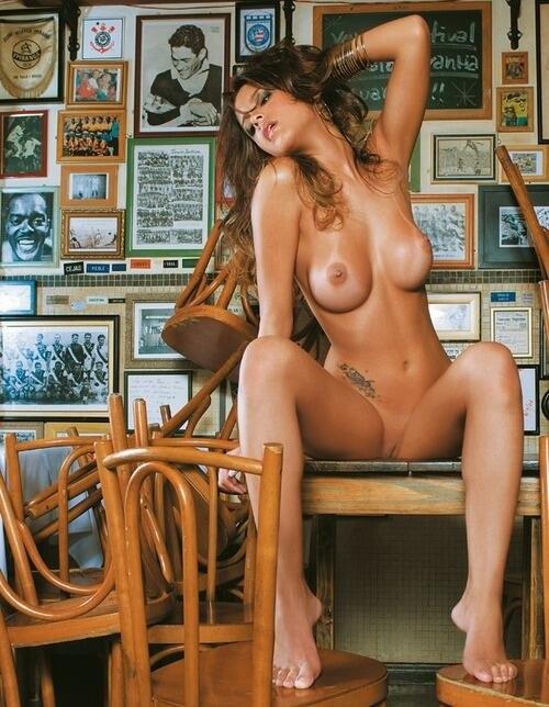 hot-fernanda-souza-nude-and-the-city
