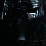 Маска Рена меньше похожа на шлем самурая, чем забрало Вейдера и слегка напоминает муху, но тоже неплохо