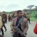 Вероятно, Финн сначала продемонстрированный нам в костюме штурмовика, отрекся от заветов Империи и присоединился к повстанцам