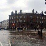 британия йоркшир наводнение новости пиво два мужчины отвратительные мужики
