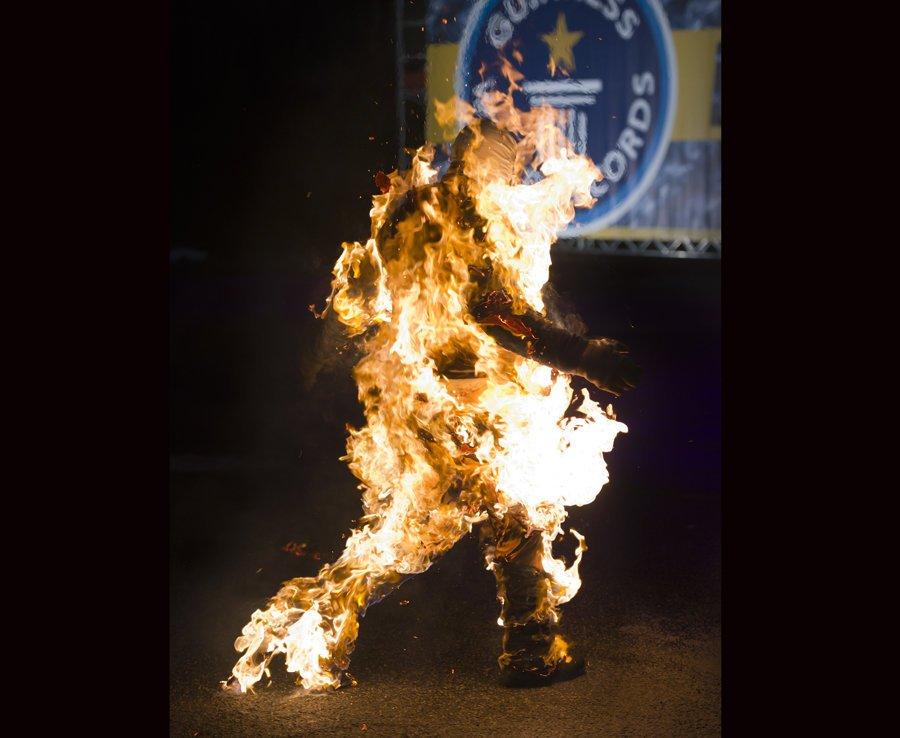 рекорды гиннесса книга рекордов гиннесса самые тупые рекорды самые нелепые отвратительные мужики guinness world record day