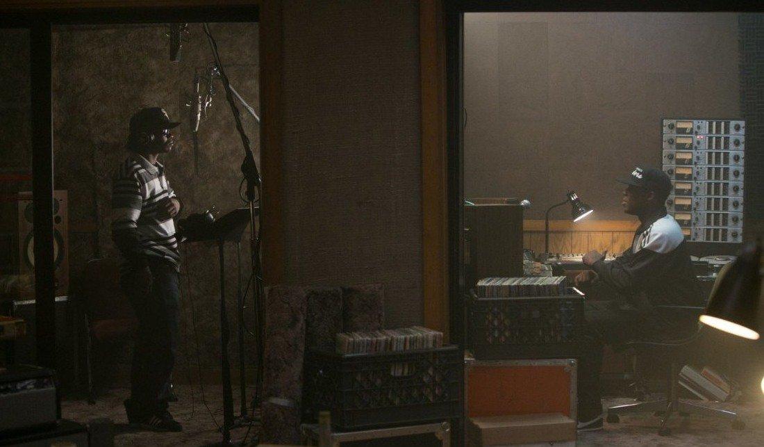 N.W.A. фильм рецензия биография Прямиком из Комптона Straight Outta Compton Голос улиц отвратительные мужики