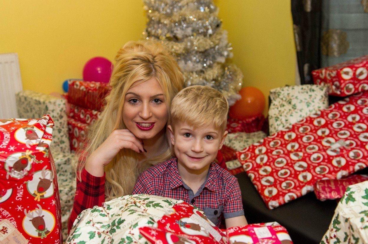меган клара порно снялась рождество сына 20 лет 5 летний британка англичанка подарки новости отвратительные мужики