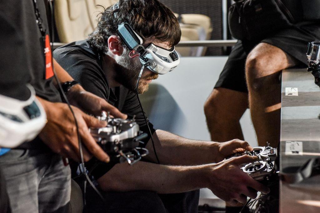 Drone Racing League гонки дроны виртуальная реальность беспилотники США спорт технологии статья отвратительные мужики