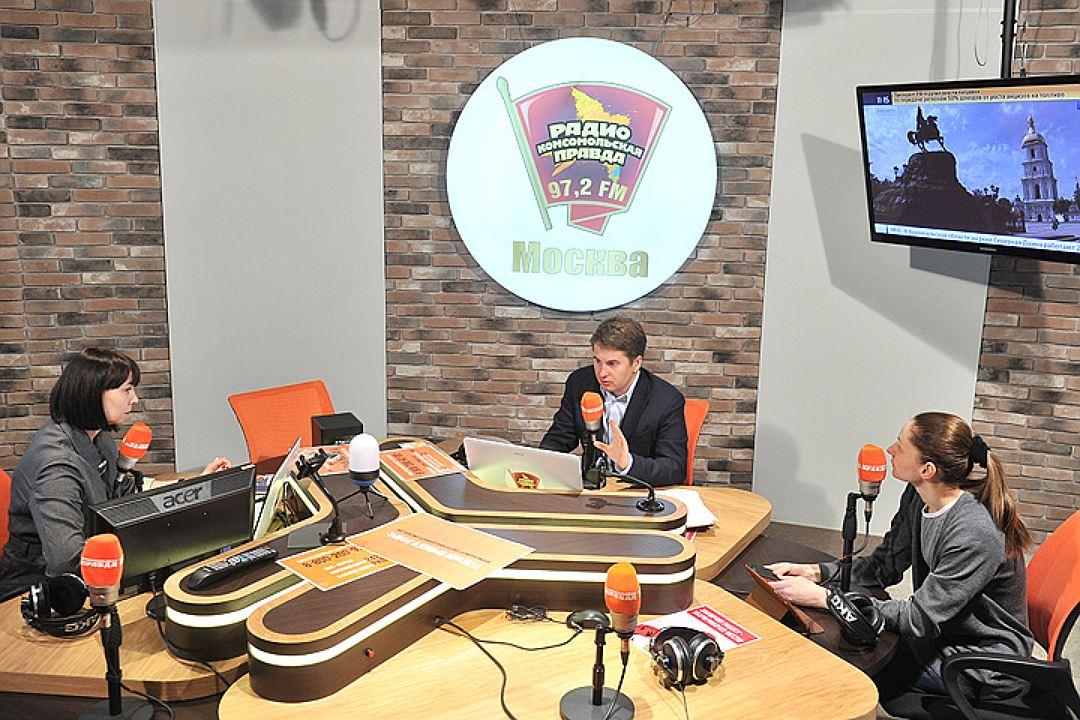 шаурма пропадет с улиц москвы запретят девушки и шаурма руководитель департамента торговли Алексей Немерюк новости еда отвратительные мужики
