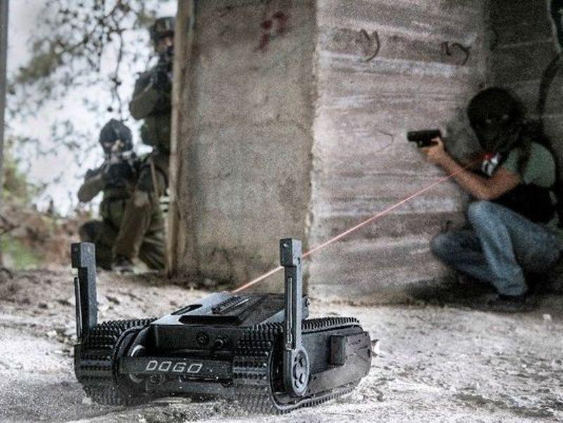 635980483004817839-armedrobot-1