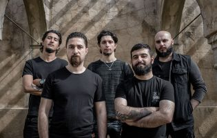 Если бы Ахмед Чалаби играл хэви-метал, то точно в группе Dark Phantom