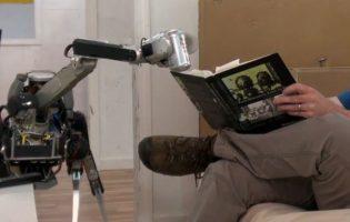 Новый робот Boston Dynamics — SpotMini: сам встанет, подаст тебе пиво, уберет со стола