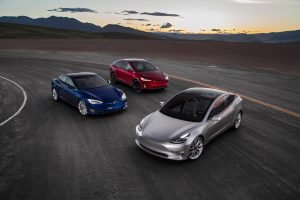 2017-Tesla-Model-3-2016-Tesla-Model-X-Tesla-Model-S-front-three-quarter