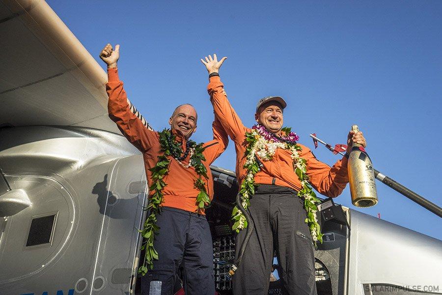 Solar Impulse кругосветное путешествие самолет на солнечной энергии отвратительные мужики disgusting men