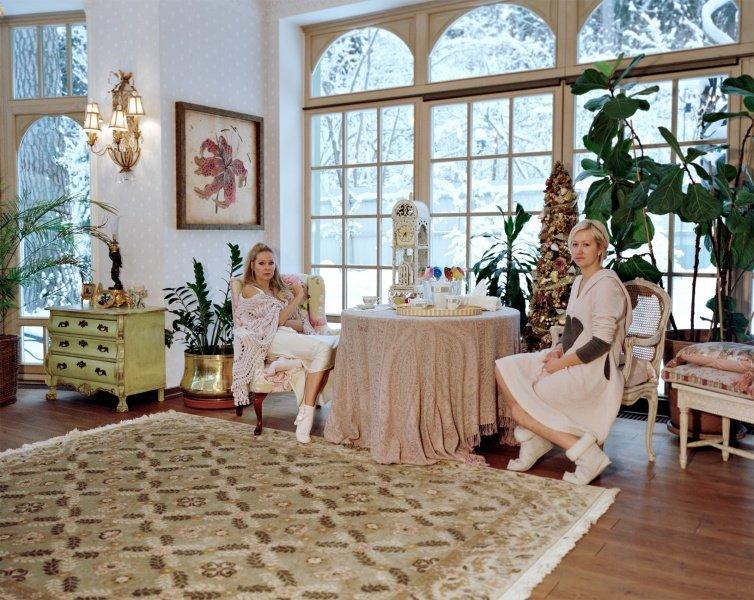 мастера и слуги фотосессия фотограф Лилия Ли-Ми-Ян о жизни российской элиты миллионеры бедные прислуга новости фото жизнь отвратительные мужики
