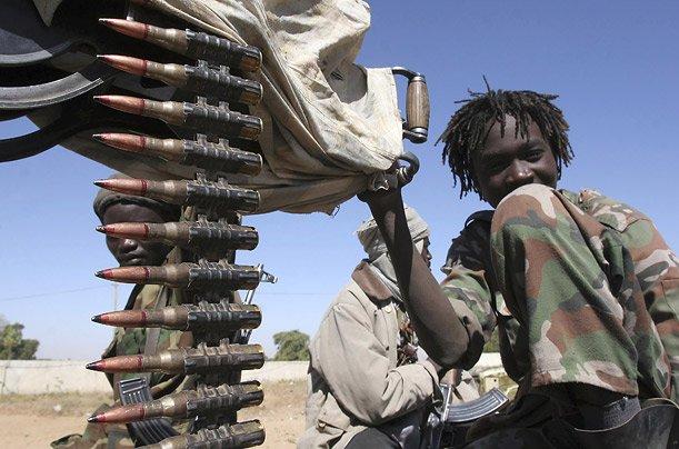 дети-солдаты малолетние солдаты несовершеннолетние в армии повстанцы отвратительные мужики disgusting men