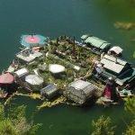 дом на воде канада художники плавающий остров отвратительные мужики disgusting men