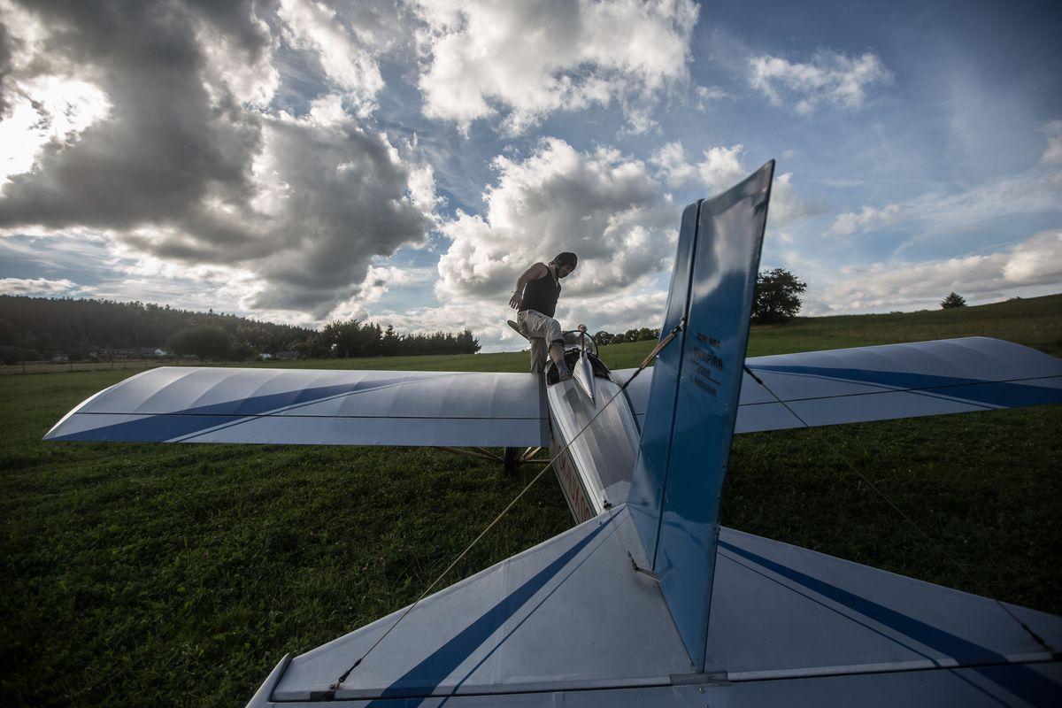 Frantisek Hadrava самолет на работу на машине летать построил самолет Франтишек Хандрава технологии новости отвратительные мужики