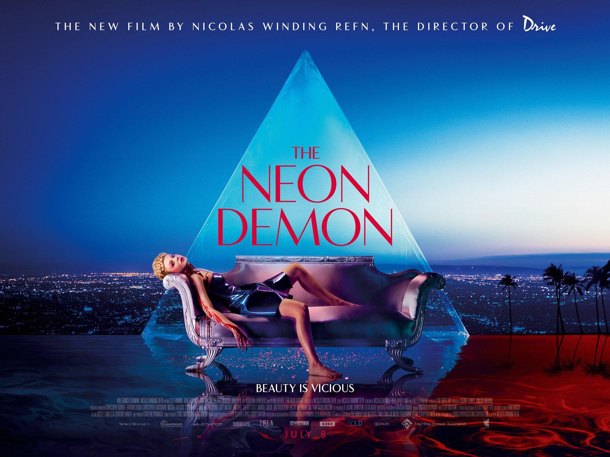 неоновый демон рецензия кино николас виндинг рефн neon demon review отвратительные мужики disgusting men