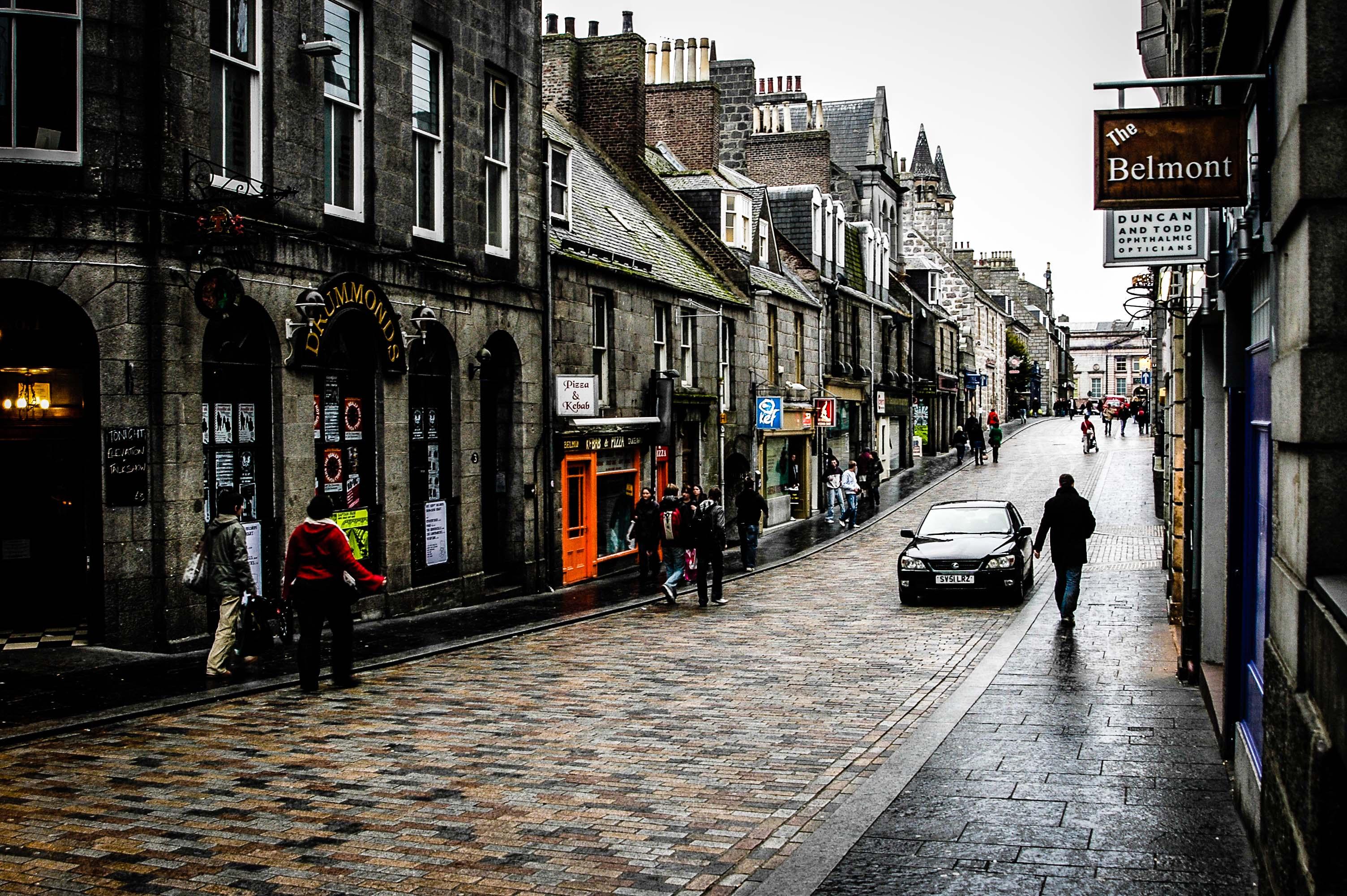 пабы, церкви, дождь стюарт макбрайд логан макрай детектив шотландия абердин маньяк триллер отвратительные мужики disgusting men