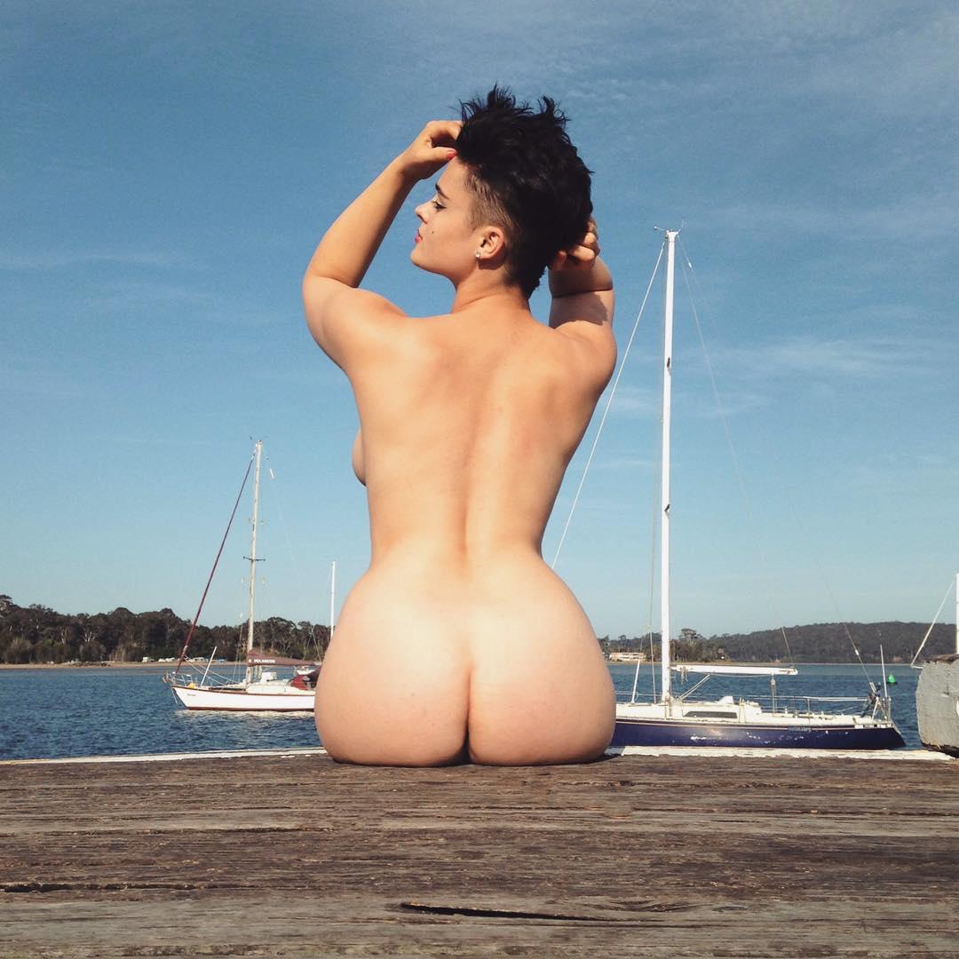 Стефания Феррарио плюс-сайз модель, новая икона интернета и Заря из Overwatch феминистки пышные формы девушки новости игры отвратительные мужики