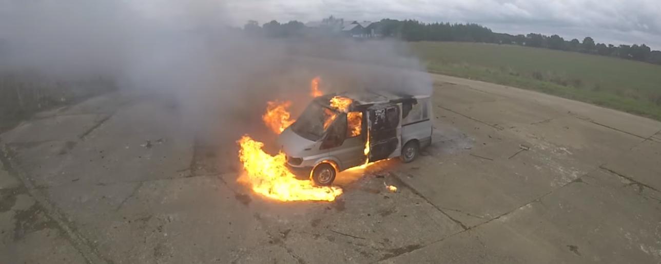 колин ферз colinfurze colin furze взрыв фургона пиротехника огонь эксперимент отвратительные мужики disgusting men