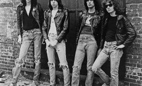 Откуда взялась мода на рваные джинсы? Собственное расследование Отвратительных мужиков