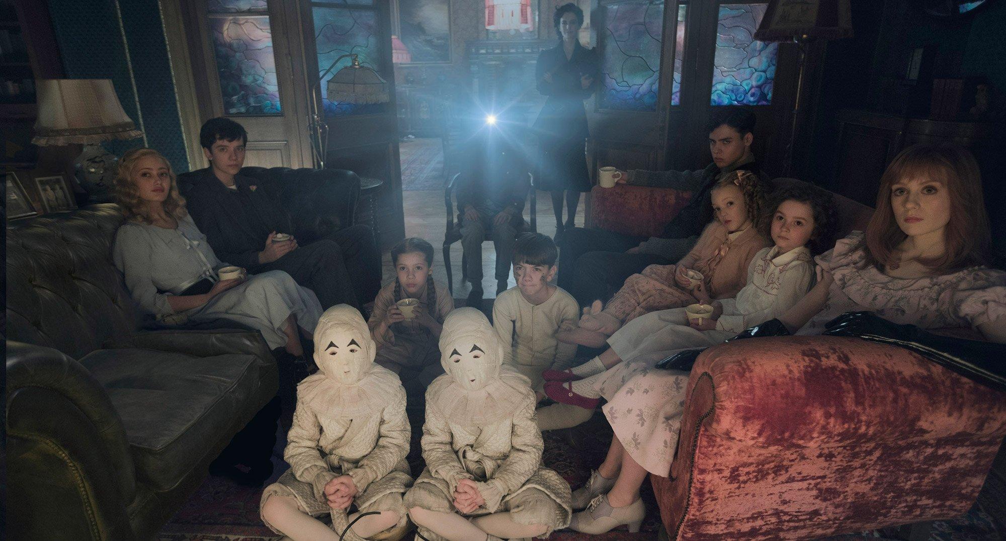дом странных детей тим бертон кино режиссер книга роман экранизация рецензия фильм отзыв мнение отвратительные мужики