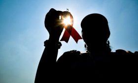 Будьте здоровы: 5 мифов о ВИЧ, в которые пора перестать верить