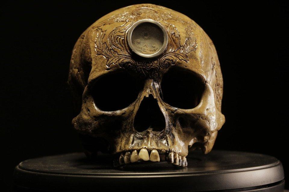 черепа резка по черепу ужасное искусство отвратительные мужики disgusting men