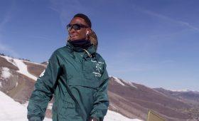 «Это осуществимо»: откуда в Уганде взялся сноубордист, который может поехать на Олимпиаду