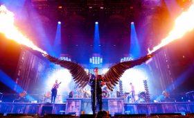 Случайные обзоры: концерт Rammstein: Paris, диван для аналитики и артбук по «Району №9»