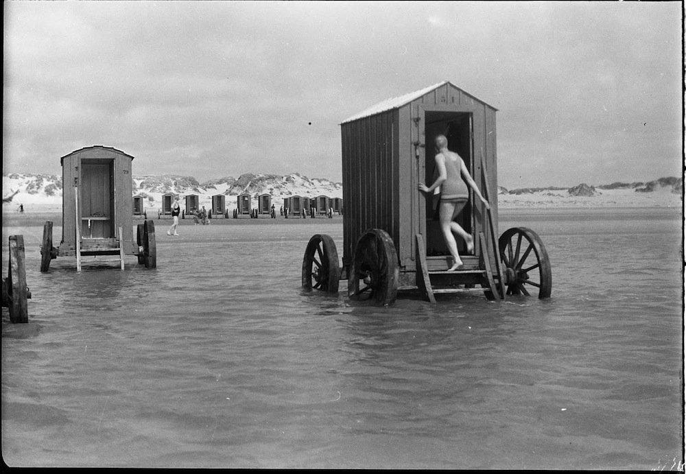 купальные машины викторианская англия история отвратительные мужики disgusting men