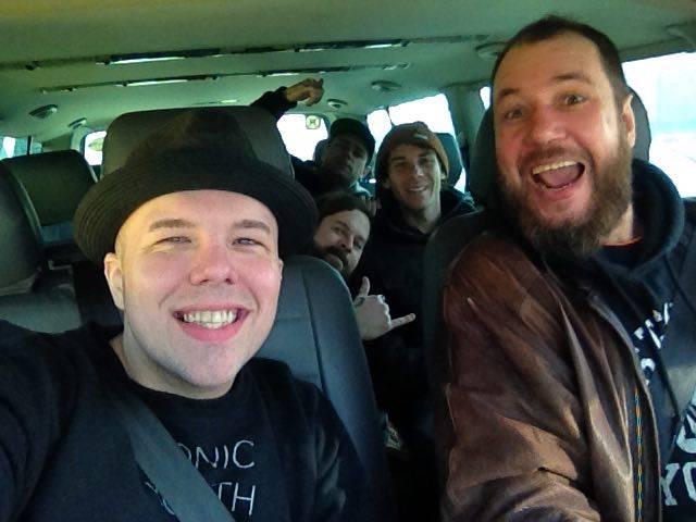 рок-водитель водитель для группы микроавтобус