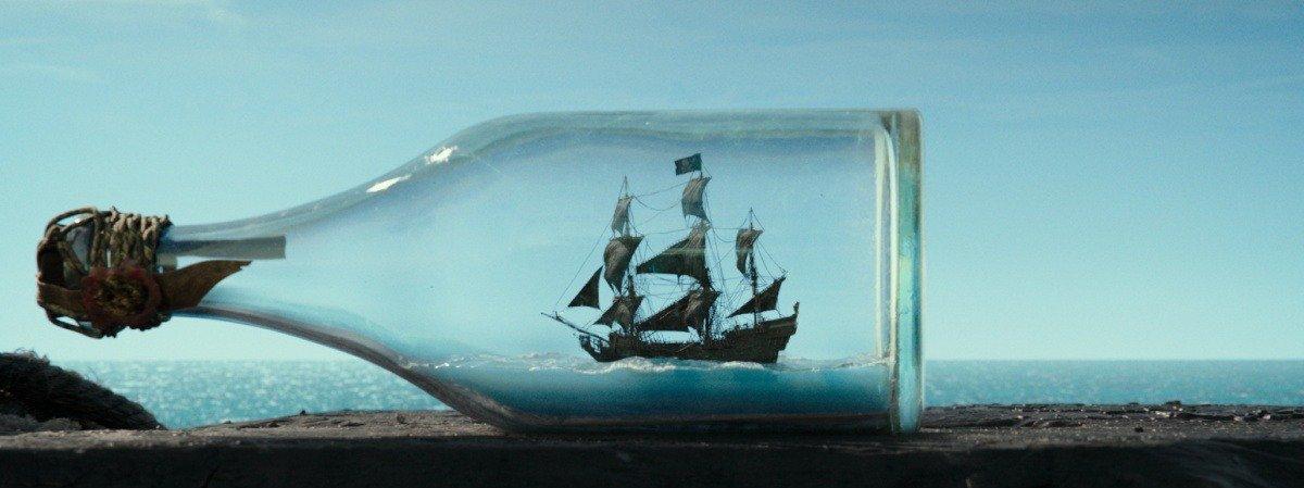 случайные обзоры трейлер far cry 5 пираты карибского моря мертвецы не рассказывают сказки пятая часть документальные фильмы vice очки prada игры кино