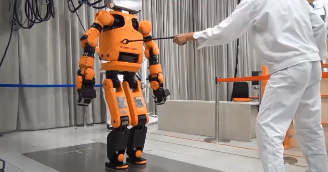 робот E2-DR технологии отвратительные мужики disgusting men