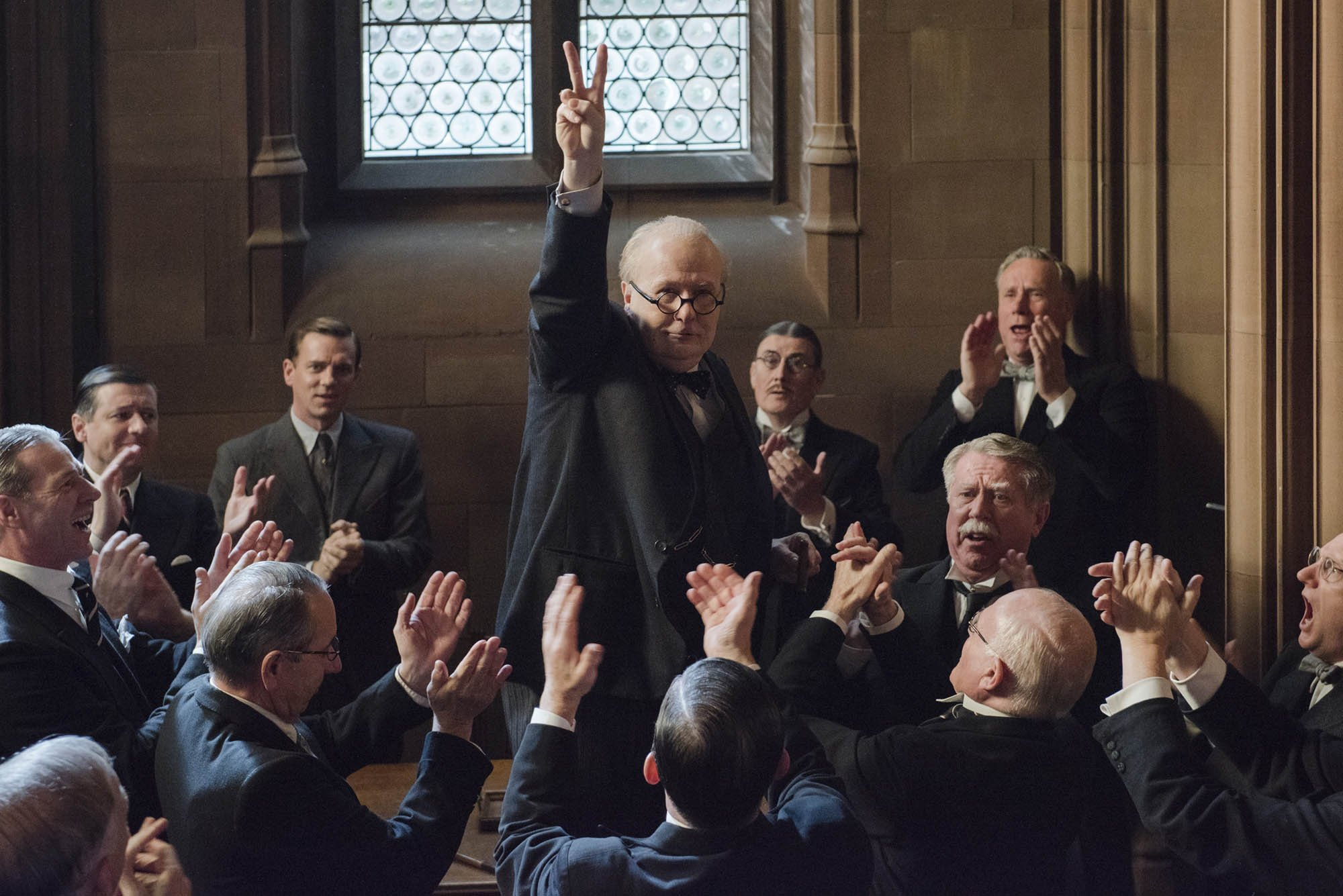 черчилль гэри олдмен темные времена рецензия darkest hour отврарительные мужики disgusting men