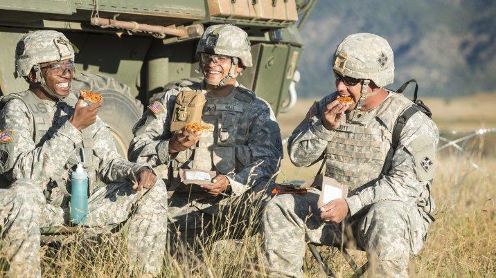 пицца в армии сша отвратительный мужик олимпиада понедельник начинается с дичи disgusting men