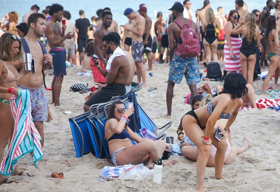 Break drunk naked spring girls