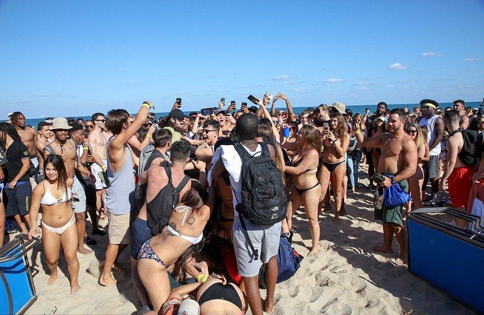 Публичный секс на пляжах