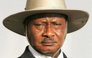 Понедельник начинается с дичи: президент Уганды запрещает оральный секс, потому что «рот — для еды!»