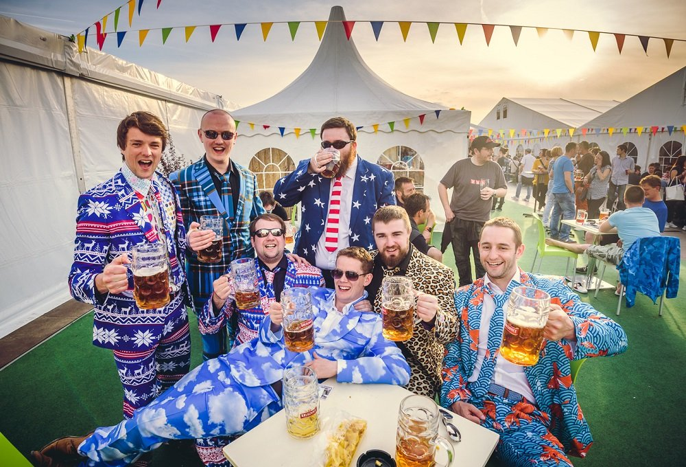 чешский пивной фестиваль прага пиво отвратительные мужики disgusting men