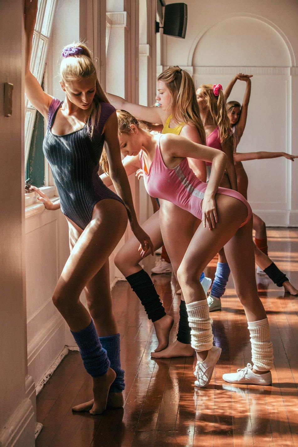 эротические фото аэробика девушки отвратительные мужики disgusting men